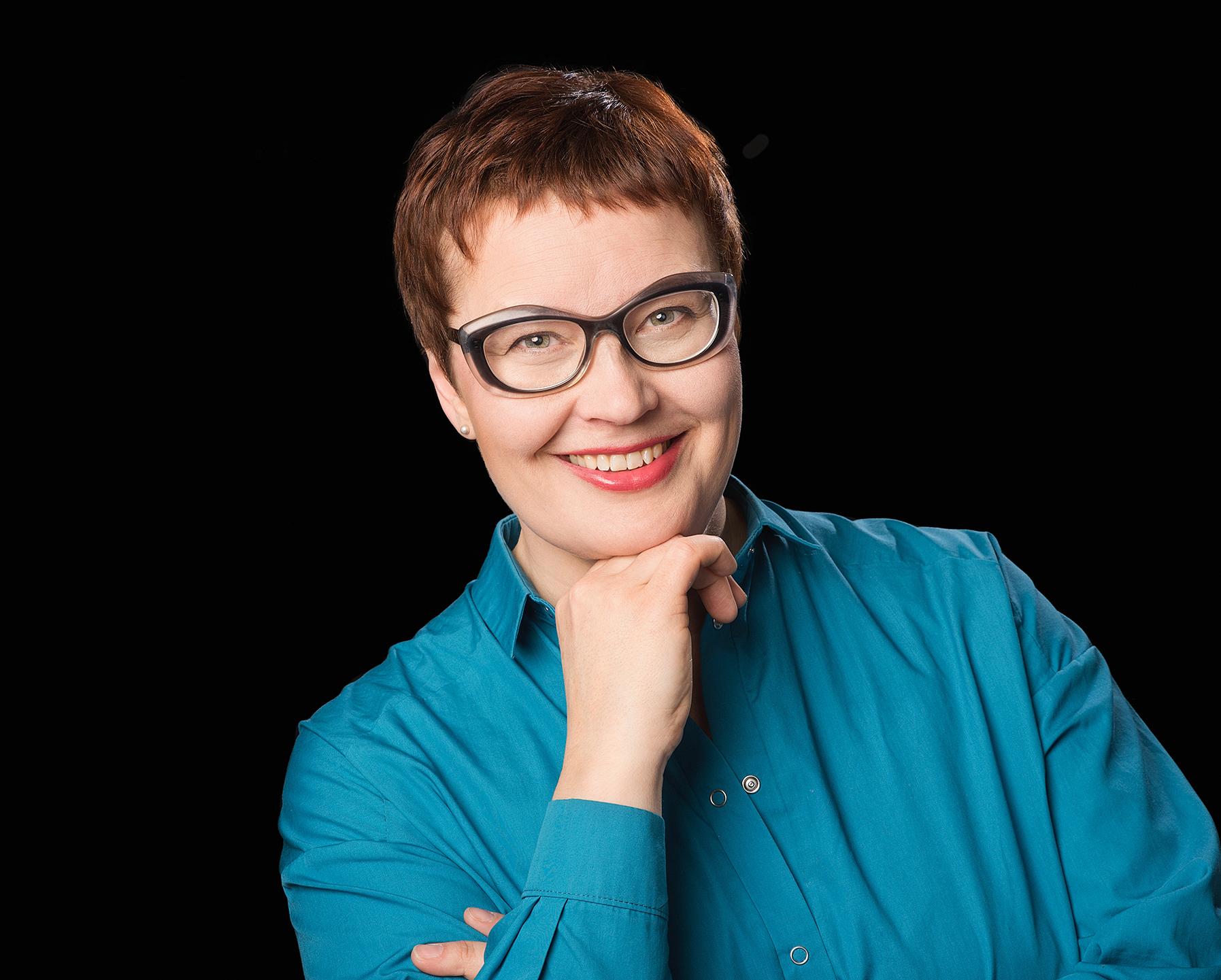 12x15cm_profiilikuvaus_Heidi Hölsömäki_08