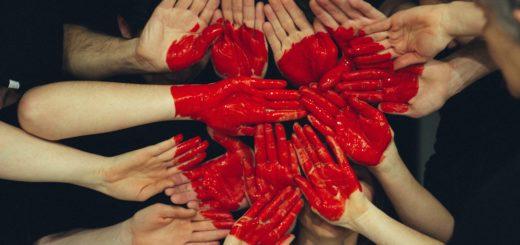 sydän kädet