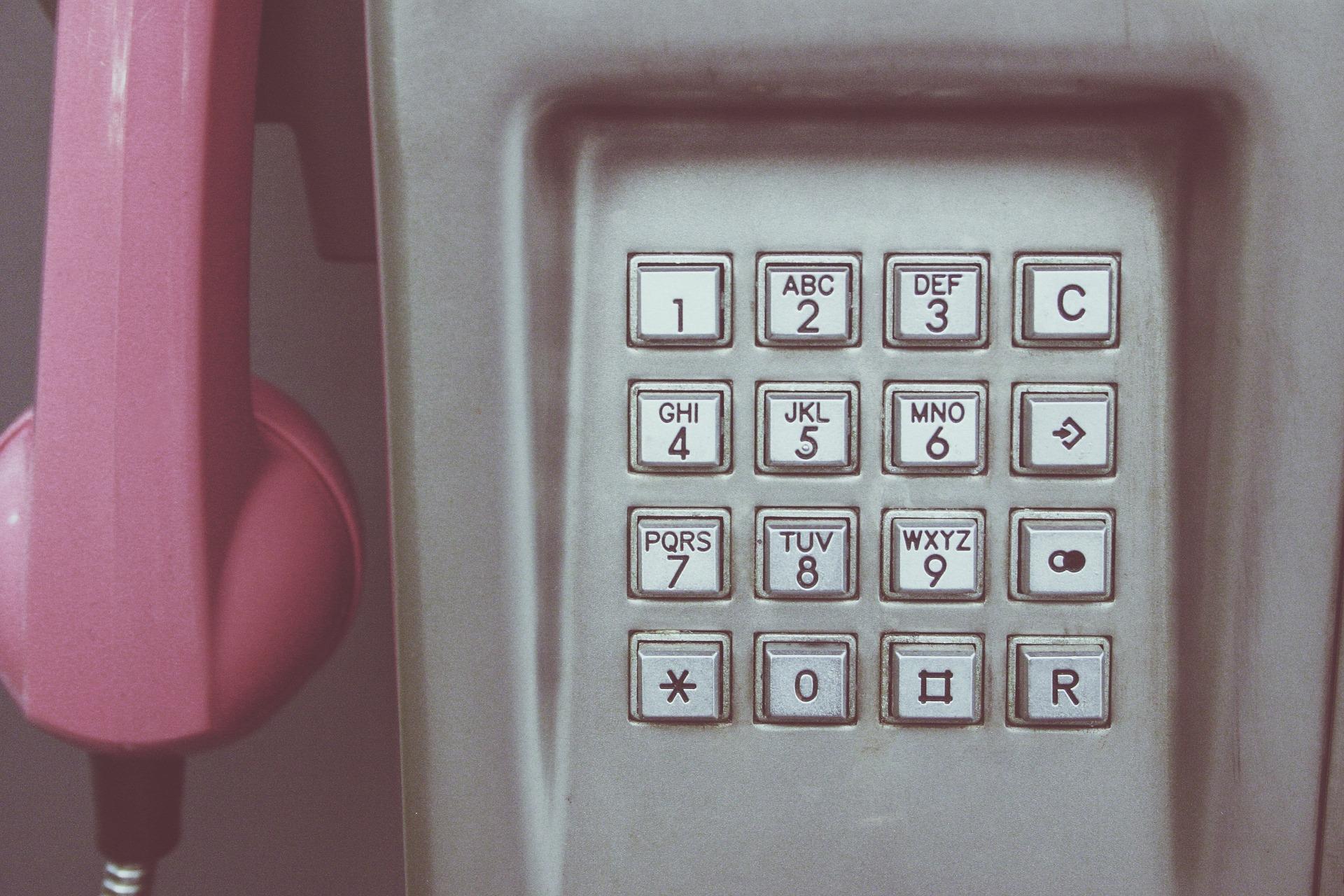 Puhelimen näppäimistö