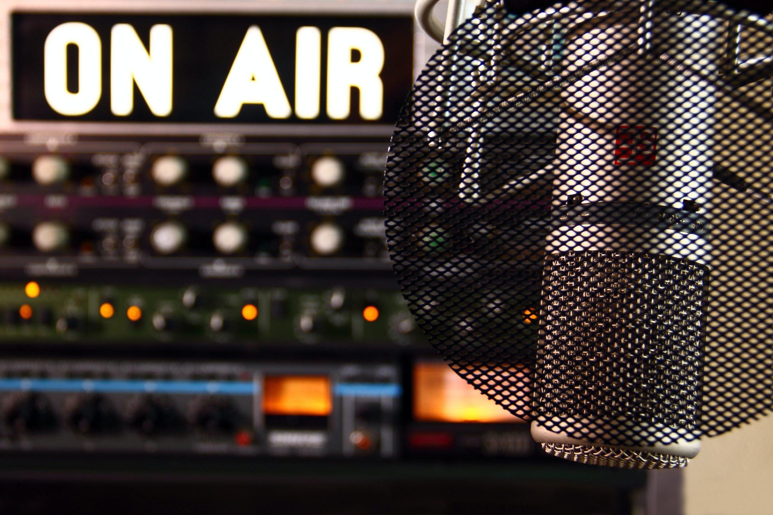 Mirofoni ja on air radio